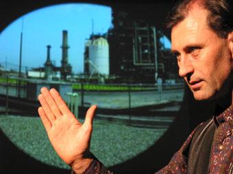Simon Penny with his work Fugitive II, 2004