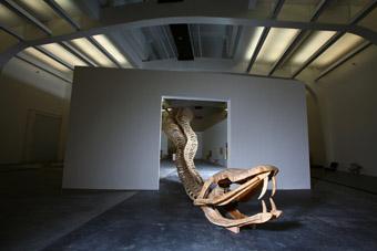 Huang Yong Ping, Python, 2000