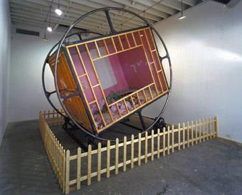 Martin Kersel, Tumble Room (2001)