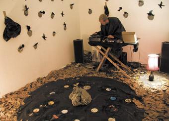 Ryan Cockburn, vacuum#1, installation, Westspace, Liquid Architecture 9, Melbourne