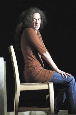 Dawn Albinger,  Heroin(e)