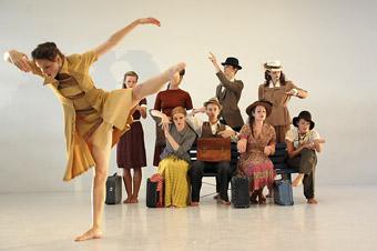 dancers from Link Dance Co, WAAPA, performing Chrissie Parrott's new work Reaching Veldrada, 2009