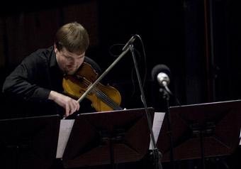 Soloist Graeme Jennings, Elision Ensemble