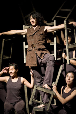 Woyzeck, Sadari Movement Laboratory