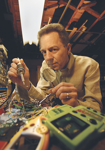 Nicolas Collins in his basement workshop, Chicago, Il (USA) 2006