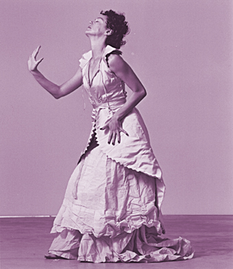 Shelley Lasica, Dress
