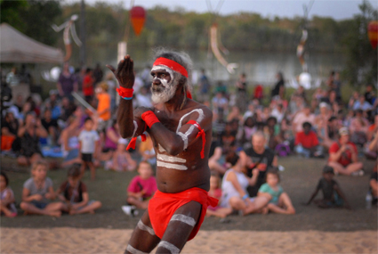 dancer with David Dingala's group from Groote Eylandt, Mahbilil Festival