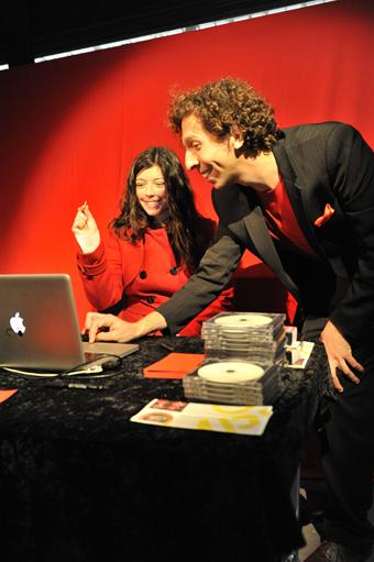 Brian Lobel, Carpe Minuta Prima, Compass Festival of Live Art