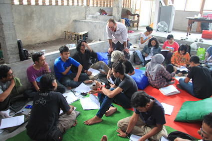 Malcolm Smith, grant writing workshop at IVAA Yogyakarta