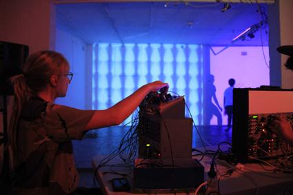 Pia van Gelder, Noiseball, Time Machine
