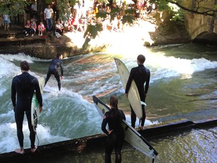 Surfing the Isar River, Munich