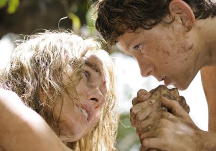 Naomi Watts, Tom Holland,  The Impossible, photo Jose Haro, © 2011 Summit Entertainment, LLC.