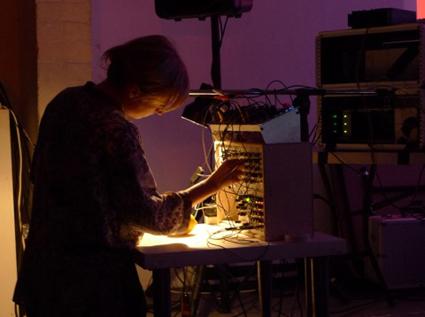 Pia van Gelder performing in Moduluxxx 2012