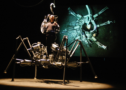 Stelarc, Exoskeleton, photo Igor Skafar