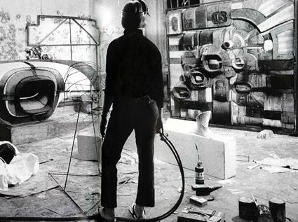 Lee Bontecou in studio 1963