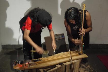 Lintang Radittya, Ikbal S. Lubys performing with Wukir Suryadi's Akar Mahoni (Mahogany Root)