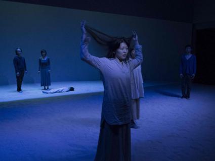 Intérieur, Shizuoka Performing Arts Company/Les Ateliers Contemporains