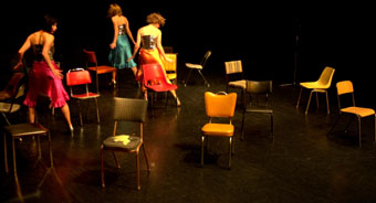 The Fondue Set, The Set (Up)