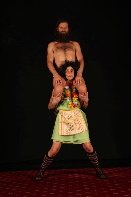 Jo Lancaster, Simon Yates, acrobat