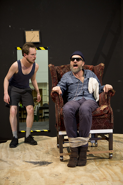Tom Budge, Hugo Weaving in rehearsal, Endgame