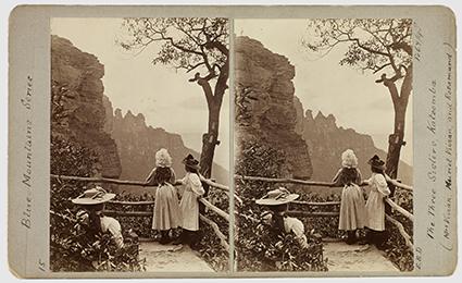 Ernest B Docker, The Three Sisters Katoomba – Mrs Vivian, Muriel Vivian and Rosamund, 7 Feb 1898, stereograph, Macleay Museum, The University of Sydney
