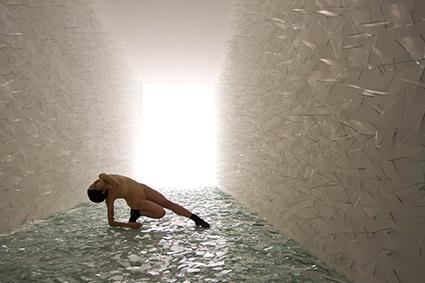 Rihoko Sato, Broken Lights, Saburo Teshigawara, multimedia installation
