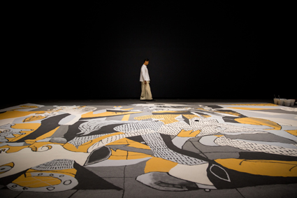 Lee Mingwei, Guernica in Sand, mixed media interactive installation