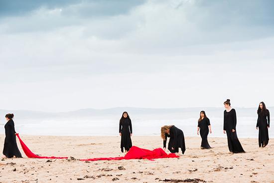 Site-specific performance improvisation, Lousie Morris, Anne Scott Wilson, Lorne Sculpture Biennale, 2016