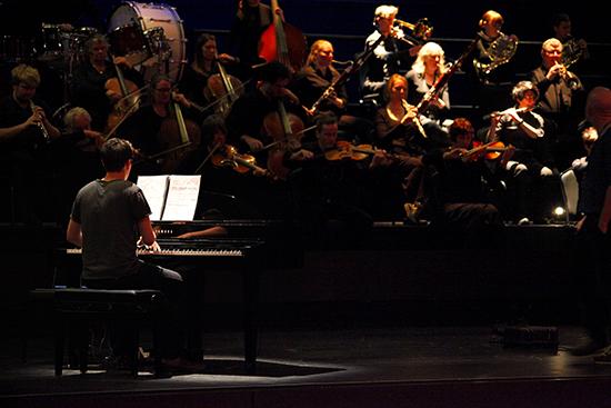 Bendigo Symphony Orchestra & Peter Dumsday (piano), pho:ton, BIFEM 2016