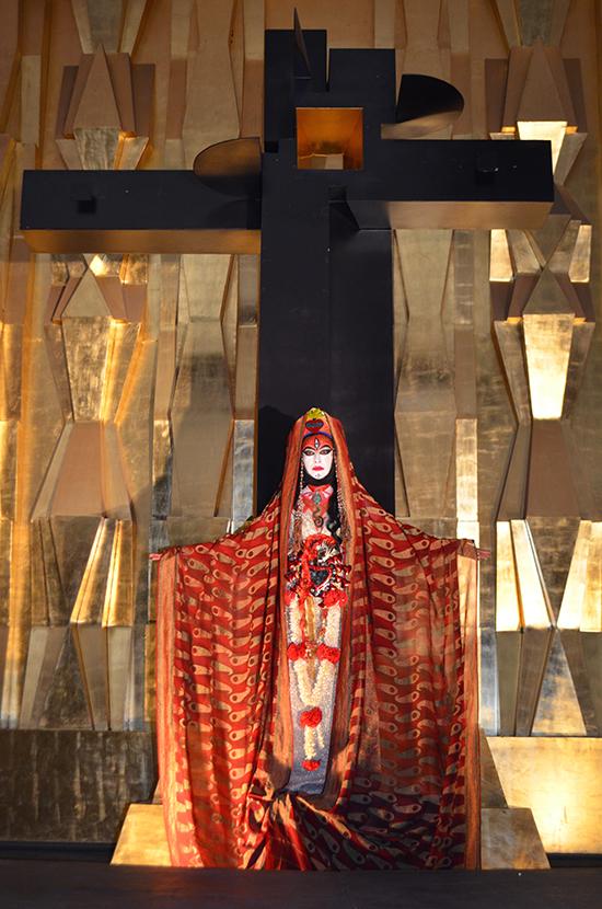 Rakini Devi, The Two Madonnas, Mexico City